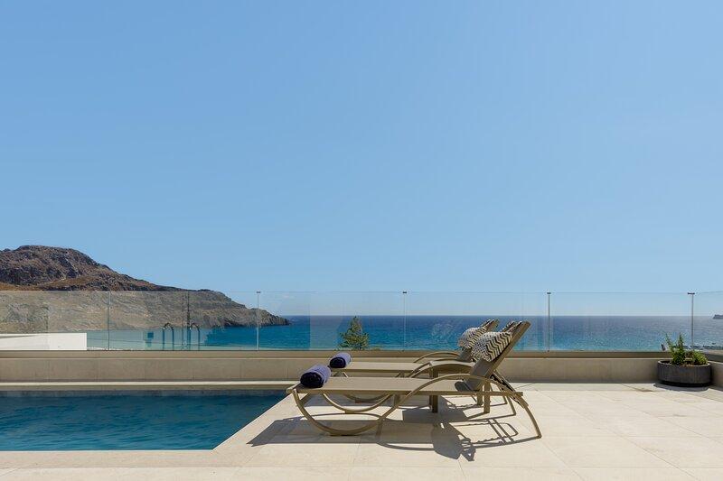 Pearl Villa III, redefined island chic!, Ferienwohnung in Mariou