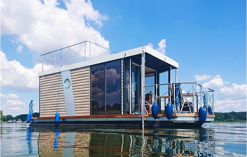 Nice ship/boat in Buchholz with 1 Bedrooms (DMV020), holiday rental in Larz