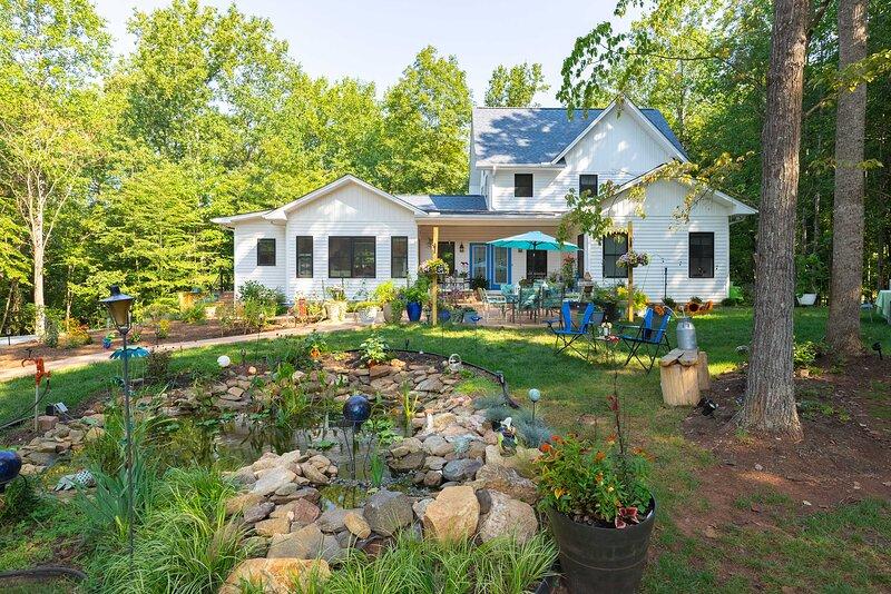NEW! Charming Charlottesville Apt w/ Outdoor Space – semesterbostad i Gordonsville