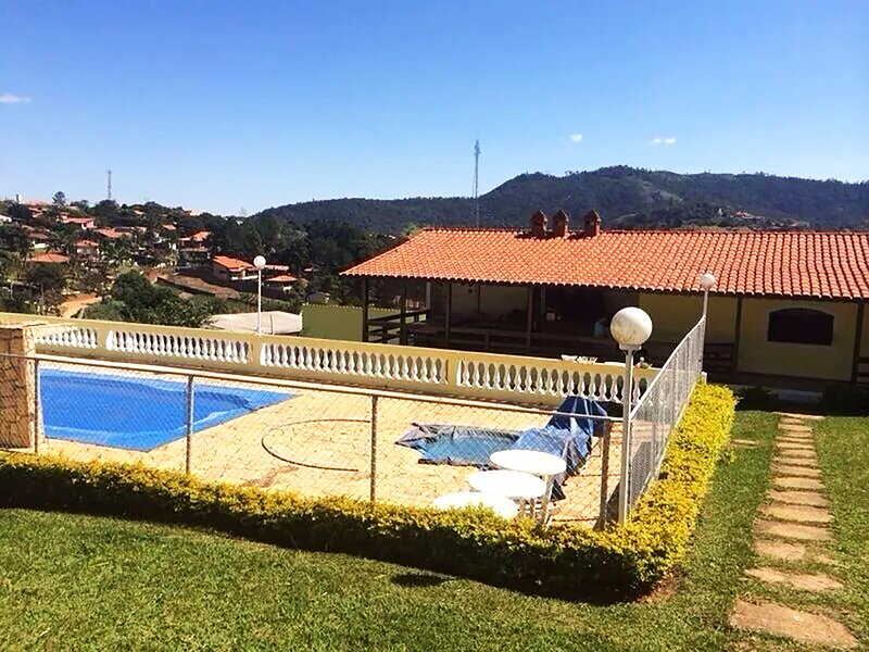 Incrível chácara com churrasq. em Atibaia/SP, holiday rental in Jarinu