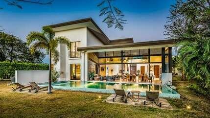 Casa Moderna, holiday rental in Matapalo