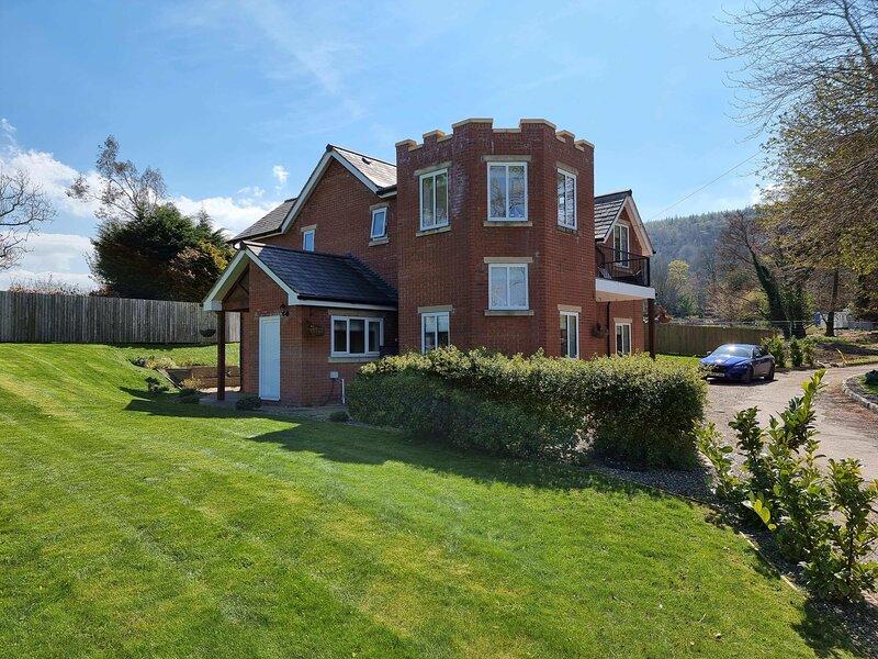 Plas Gwyrch Gatehouse, vacation rental in Towyn