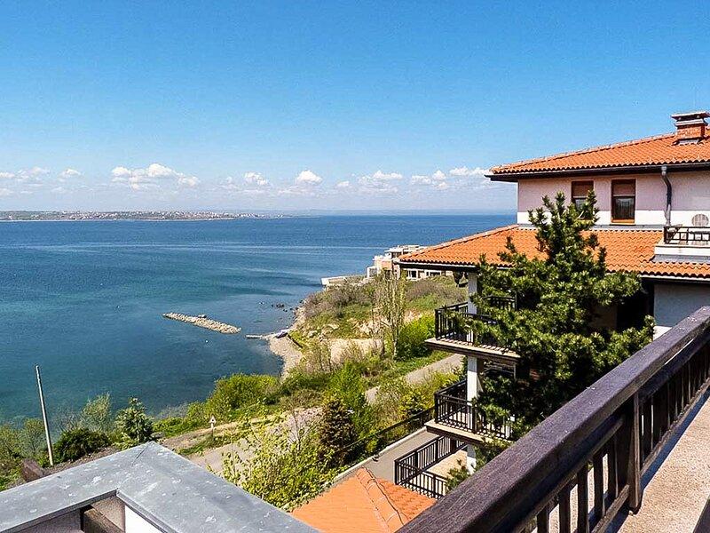 Amazing Suite Beach At Your Doorstep, alquiler de vacaciones en Sozopol