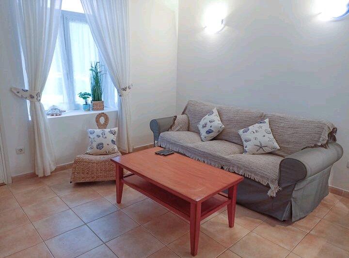 Spacious 2 bed Apartment - SmartTV & Wifi, alquiler de vacaciones en Caleta de Fuste