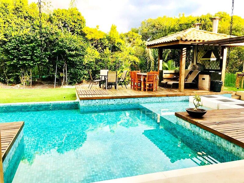 Casa com piscina e churrasq na Praia do Forte/BA, alquiler vacacional en Praia do Forte