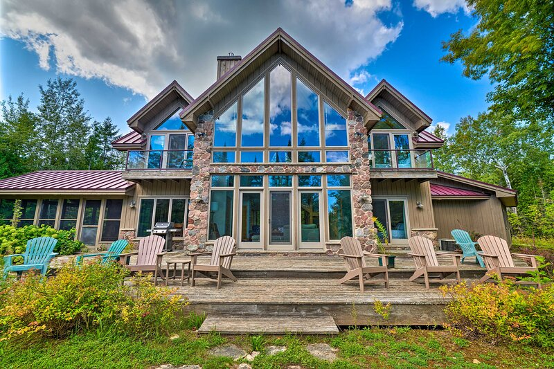 Stunning Sister Bay Home 4 Miles to Lake + Beach!, holiday rental in Sister Bay