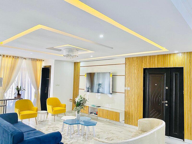 Tokyo's 5star Short let Apartment in Ikoyi, Ferienwohnung in Ikoyi