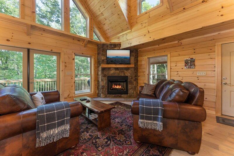 Hideaway Cabin in Cedar Mountain, holiday rental in Cedar Mountain