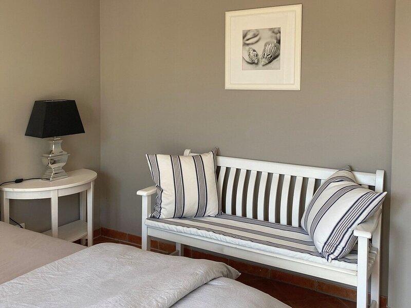 Large, comfortable apartment by the sea, location de vacances à Wendelstorf