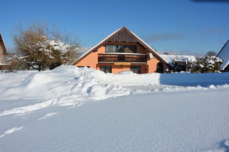 Poolincluced Holiday home Mojer, casa vacanza a Vysoke nad Jizerou