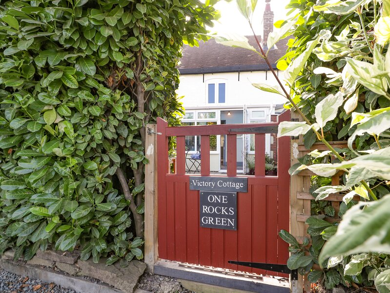 Victory Cottage, Ludlow, holiday rental in Cleedownton