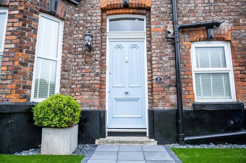 Liverpool Town House which Sleeps up to 18 guests., alquiler de vacaciones en Liverpool