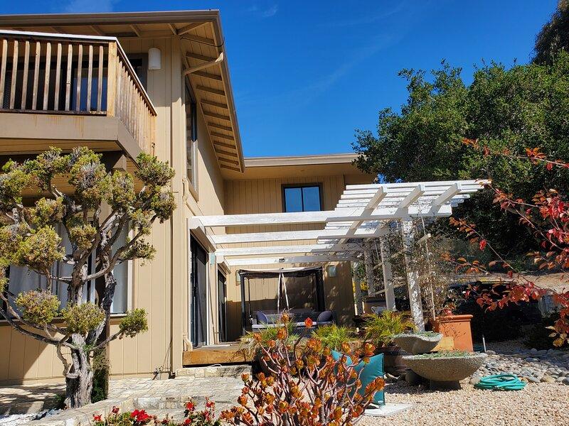 Beautiful and Romantic Carmel guest house, location de vacances à Big Sur