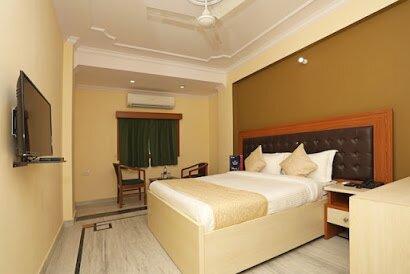 Premium Hotel Room in Noida Sector 30, holiday rental in Ghaziabad