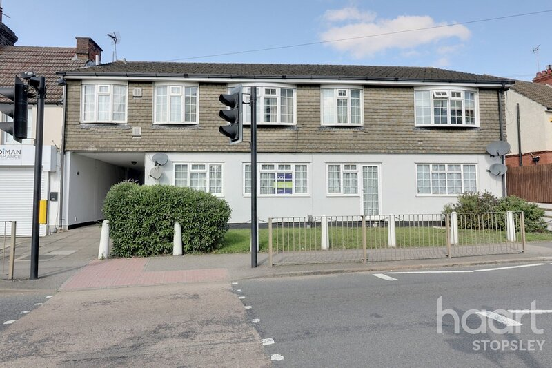 Brand New 1 bed flat - 5 mins drive from Luton Airport, holiday rental in Hitchin