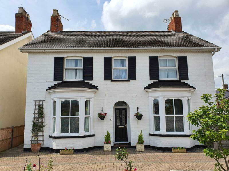 The Beaches Holiday Home, Sutton on Sea, vacation rental in Maltby le Marsh