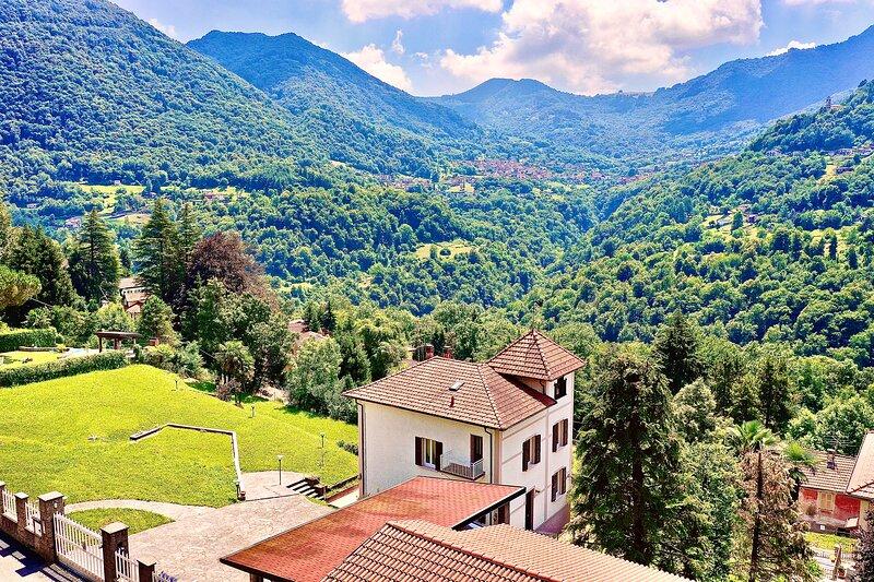 Luxury 6B Villa with Swim Pool, Fire places&Garden, alquiler vacacional en Cerano D'intelvi