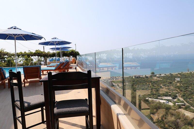 Family Room with Sea View, holiday rental in Borsh