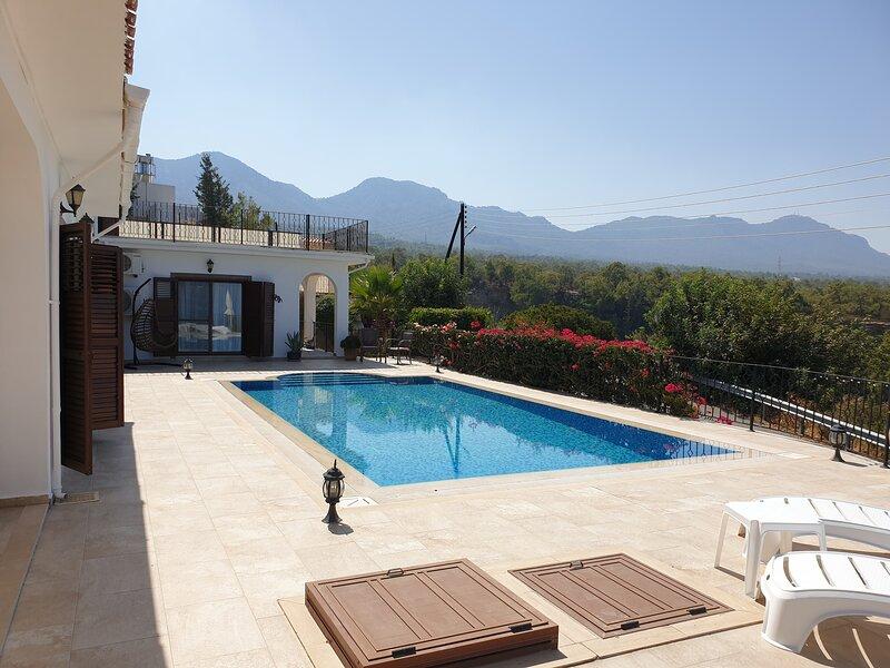Stunning Villa Sea View and Pool, Kyrenia, Cyprus, holiday rental in Gonyeli