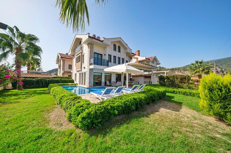 Villa North with Private Pool in Dalyan, holiday rental in Koycegiz