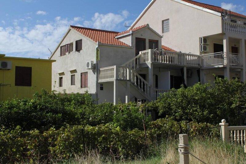 ApartmentAntica Komiza island of vis croatia, location de vacances à Zena Glava