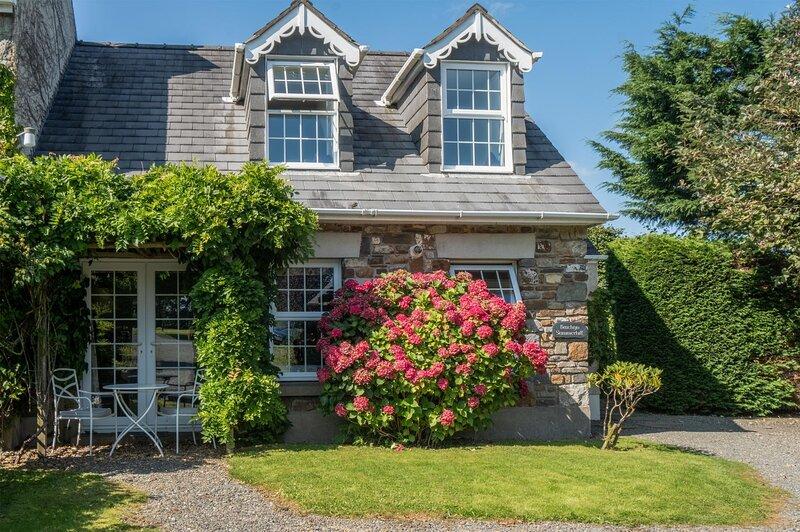 Summerhill Cottage - 1 Bedroom Cottage - Summerhill, vacation rental in Llanteg