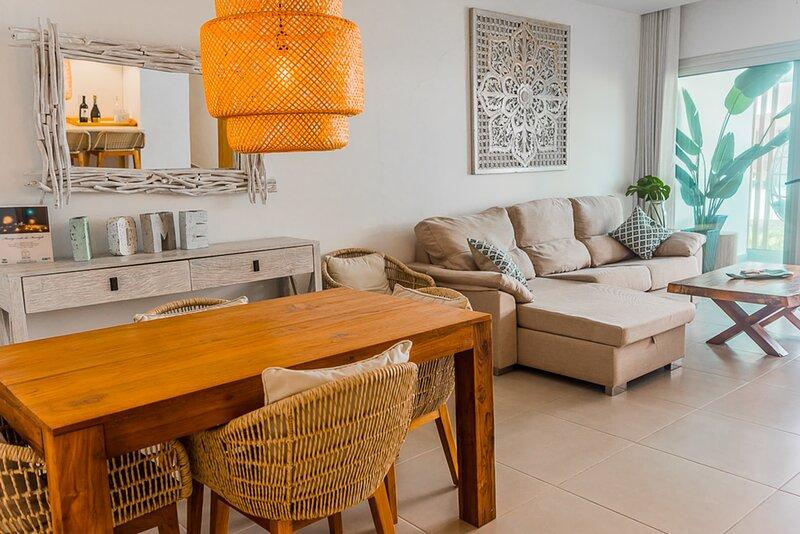 Luxury 2 BR Condo only steps away from the beach – semesterbostad i El Cortecito