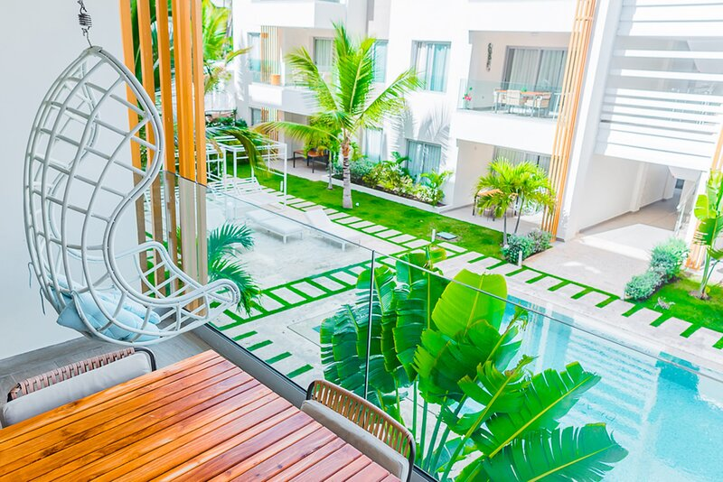 Luxury condo just 1 block from the beach – semesterbostad i El Cortecito