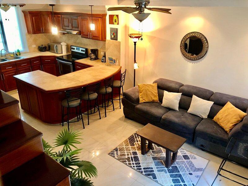 Tranquil 2 Bedrooms Condo at Playa Tamarindo!, holiday rental in Playa Langosta
