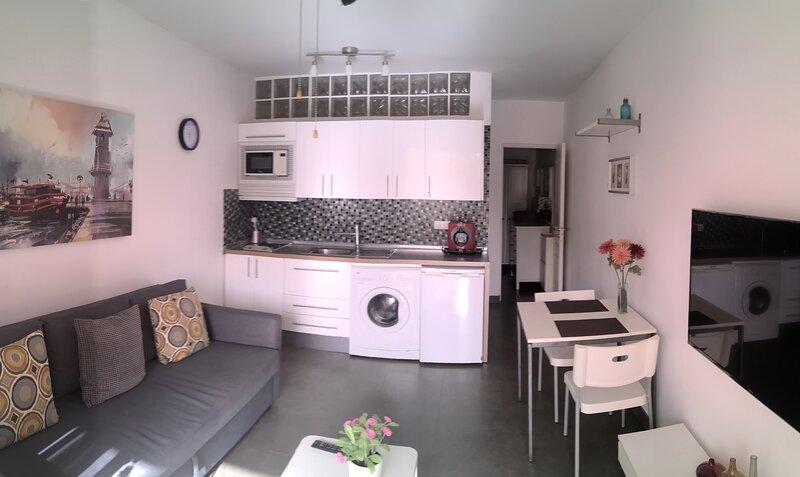 Modern apartment in Mareverde Complex, aluguéis de temporada em Costa Adeje