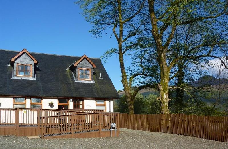 Ben Lomond Cottage - Under new ownership 2021, vacation rental in Ardlui
