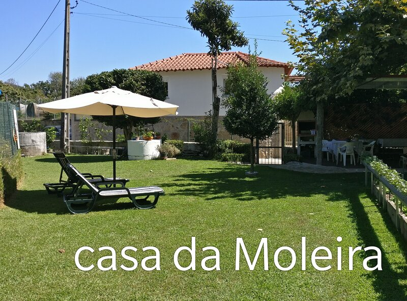 Spacious house with mountain view, holiday rental in Caldelas