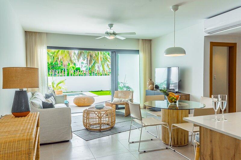 Amazing 2 bed Condo with Swimming pool, 1 block from the beach – semesterbostad i El Cortecito
