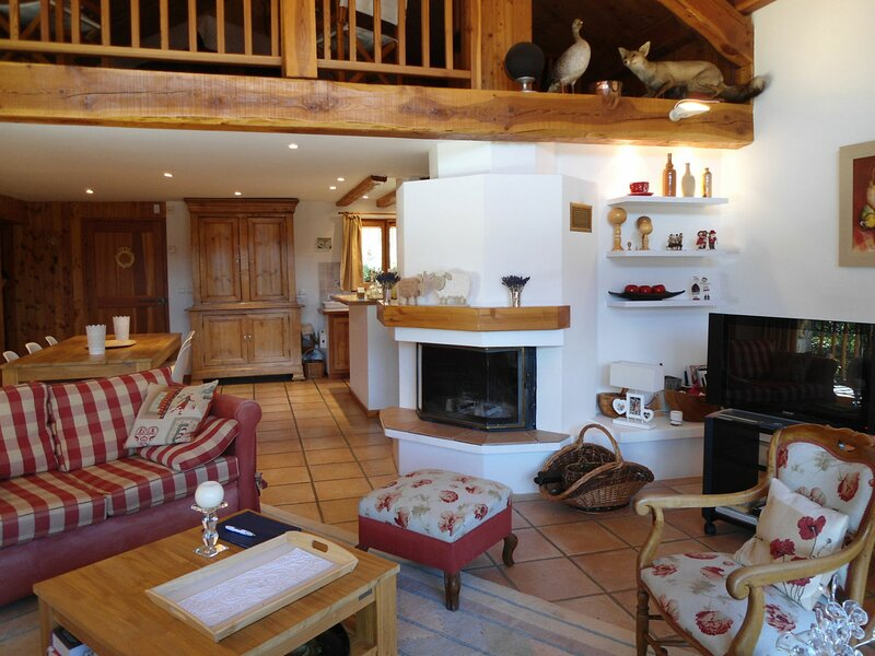 Superbe chalet 8 pers dans hameau typique, Pra Loup, holiday rental in Uvernet-Fours