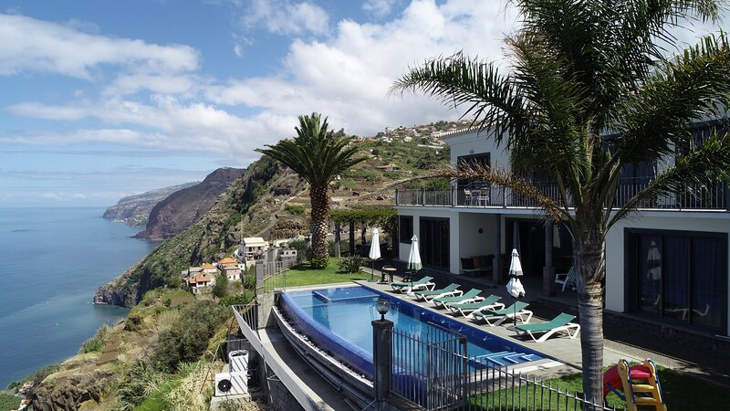 Ocean Cliff Villa -  Relax at the best Ocean Cliff Vila in Madeira - 12391/AL, holiday rental in Canhal