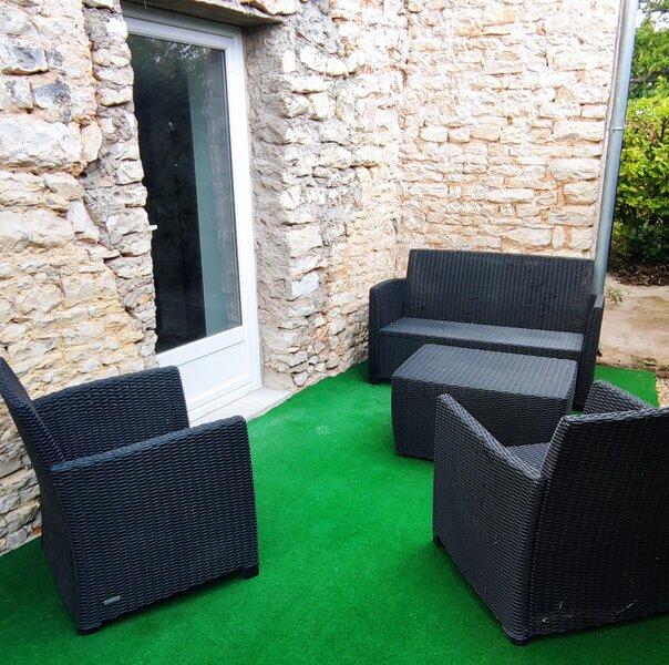 Naturel : Studio calme et agréable, holiday rental in Gracay