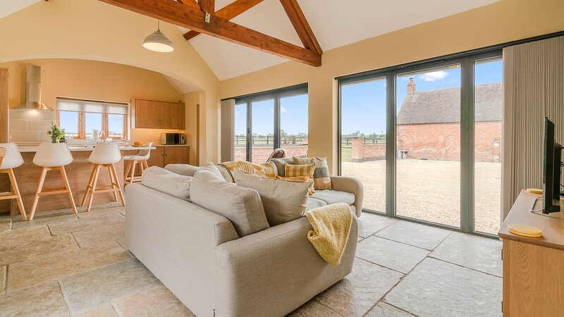 Swifts Retreat, Bidford-on-Avon - sleeps 2 guests  in 1 bedroom, holiday rental in Dorsington