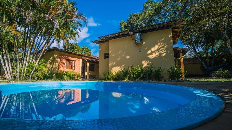 Condomínio inteiro c/ 3 casas em Arraial d'Ajuda, vacation rental in Arraial d'Ajuda