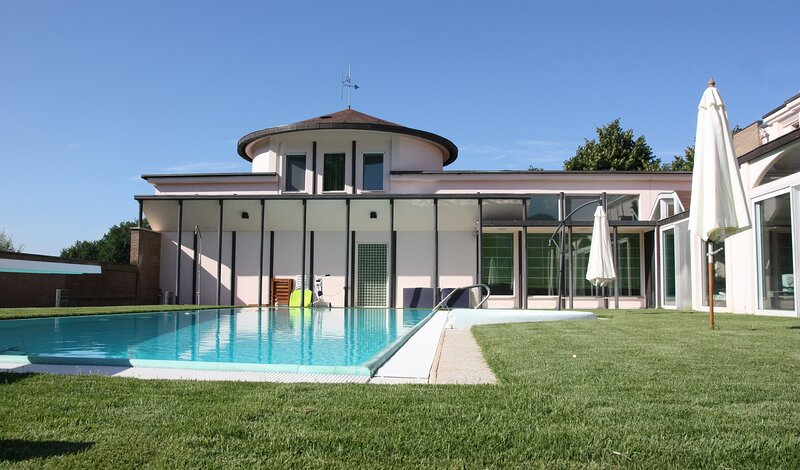 Villa bright and quiet 45 from the center of Rome, private pool exclusively, alquiler vacacional en Sezze