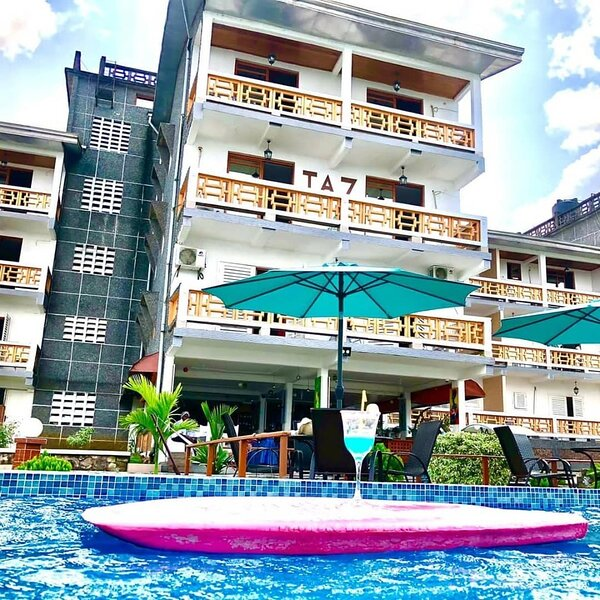 Lovely 3-Bed Apartment in Kribi, holiday rental in South Region