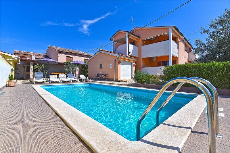 Villa Zoran Ganić Galižana 12+4, holiday rental in Galizana