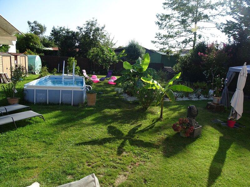 STUDIO COTE JARDIN, holiday rental in Luchat