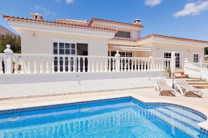 Villa Montana, location de vacances à Buzanada