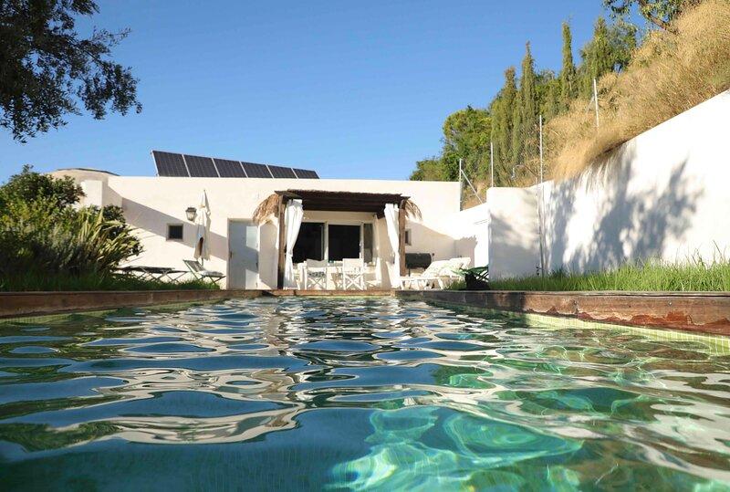 Inviting 1-Bed Cottage in Melegís, vacation rental in Villamena