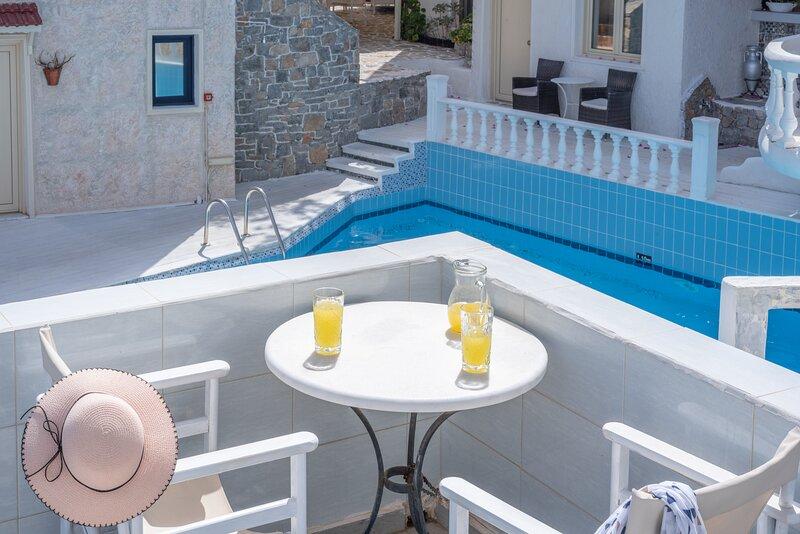 Private Spacious Room Full Sea View, casa vacanza a Koutouloufari