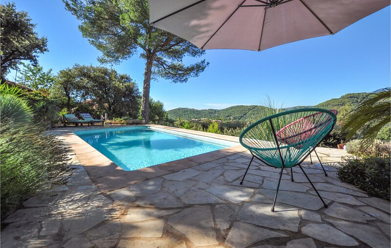 Amazing home in Claviers with Outdoor swimming pool and 3 Bedrooms (FCV922), holiday rental in Claviers