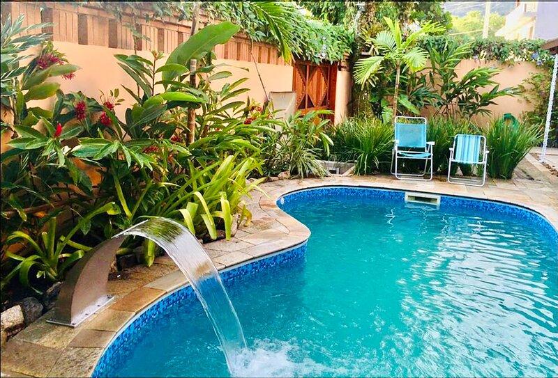 Casa com lazer a 2 minutos da Praia de Juquehy, holiday rental in Barra do Una