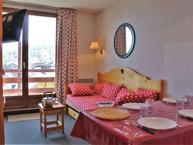 Appartement 2 pièces coin montagne 5 couchages RISOUL 1850, vacation rental in Saint-Clement-sur-Durance