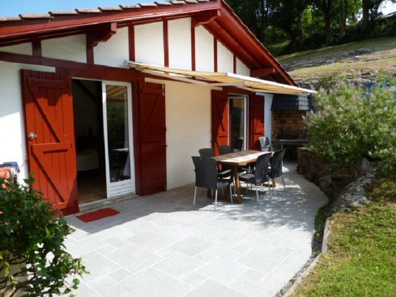MAISON ETXETOA, holiday rental in Hasparren