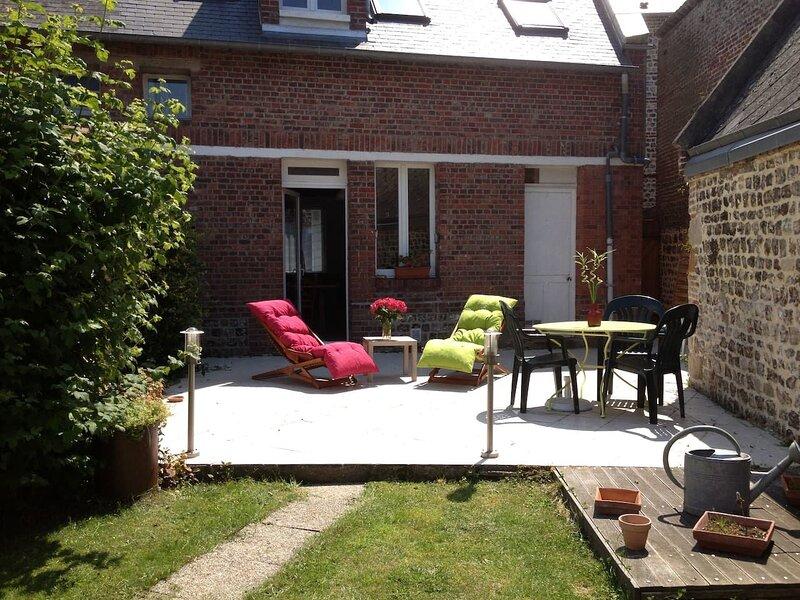 Nice house with garden & terrace, alquiler vacacional en Paluel